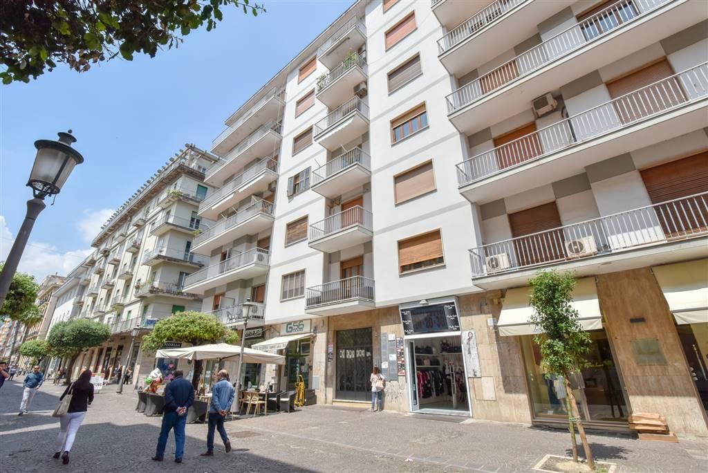 Quadrilocale in Corso Vittorio Emanuele 126, Centro, Salerno