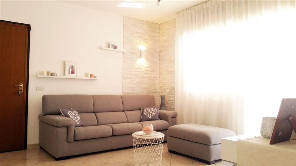 Appartamento in Via Dei Lilium 6 Sc. a, Latina Scalo, Latina