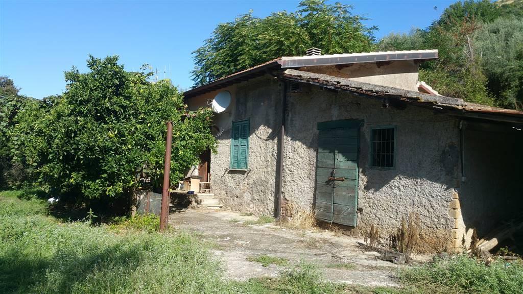 Casa singola latina in vendita e in affitto cerco casa for Appartamento affitto aprilia arredato