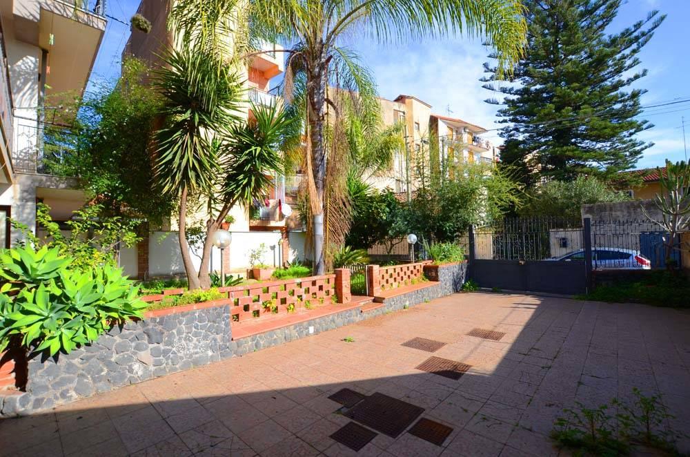 Casa semi indipendente in Via Vito Scalia 16, Tremestieri Etneo