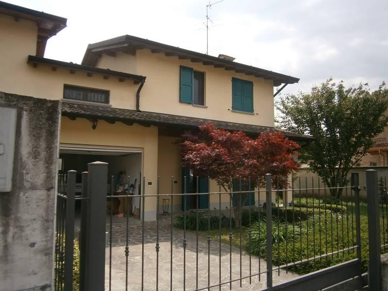 Villa Bifamiliare in vendita a Trigolo, 4 locali, prezzo € 214.000 | PortaleAgenzieImmobiliari.it