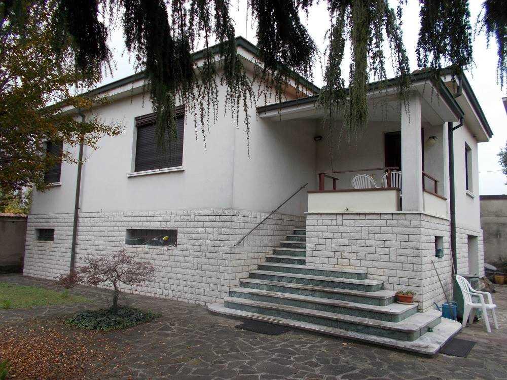 Villa, Crema, abitabile
