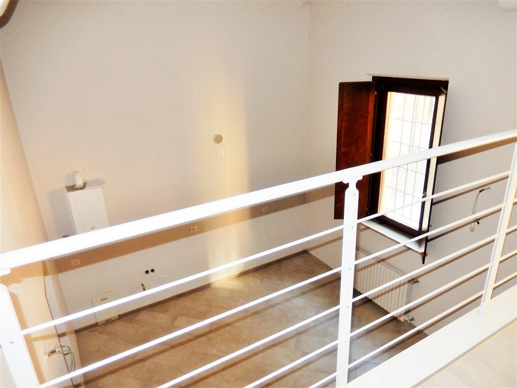 Appartamento in vendita a Mantova, 3 locali, zona Zona: Centro storico, prezzo € 200.000 | CambioCasa.it