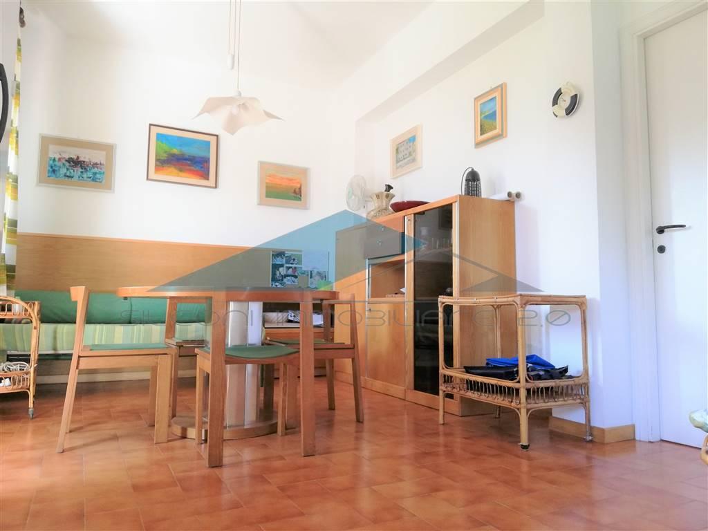 Appartamento in vendita a Numana, 3 locali, zona Zona: Marcelli, prezzo € 200.000   CambioCasa.it