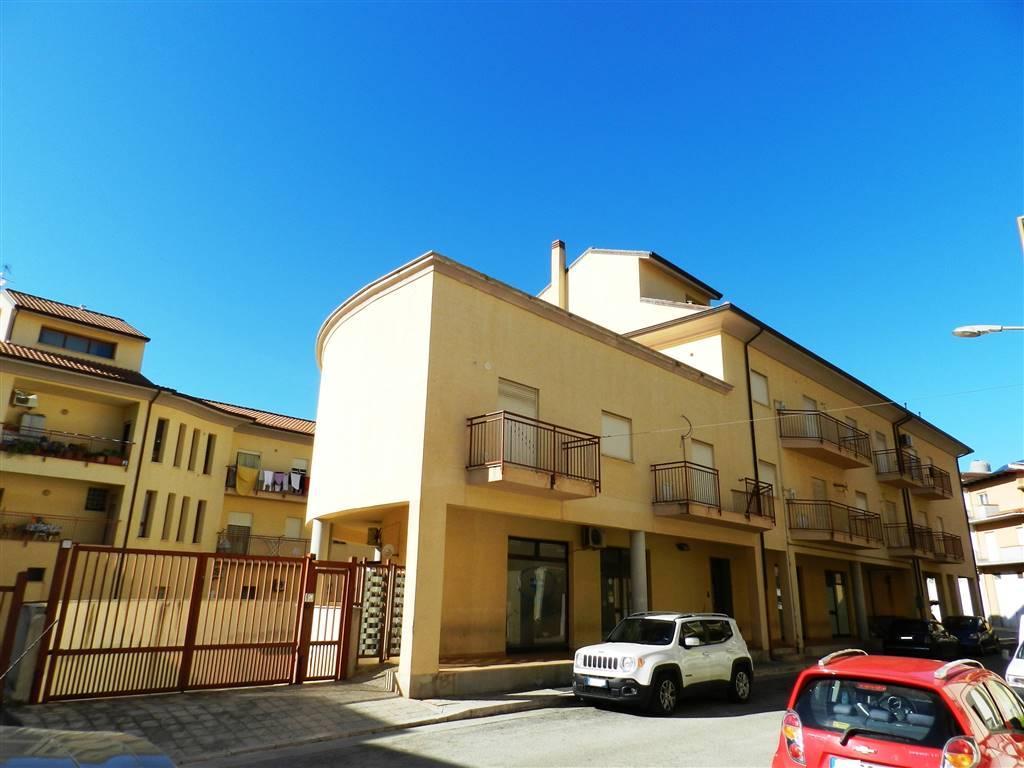 Appartamento in vendita a Partinico, 7 locali, prezzo € 163.000 | PortaleAgenzieImmobiliari.it