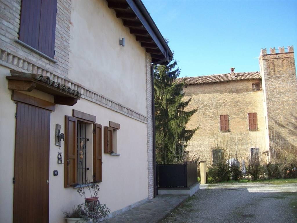 Villa a schiera in Loc. Castelmantova, Campremoldo Sotto, Gragnano Trebbiense