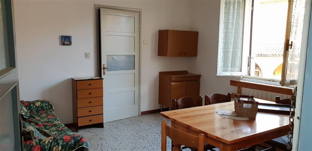 Bilocale in Via Anguissola, Agazzano