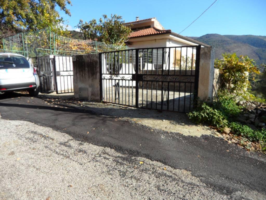 Appartamento in vendita a Centola, 3 locali, prezzo € 99.000   CambioCasa.it