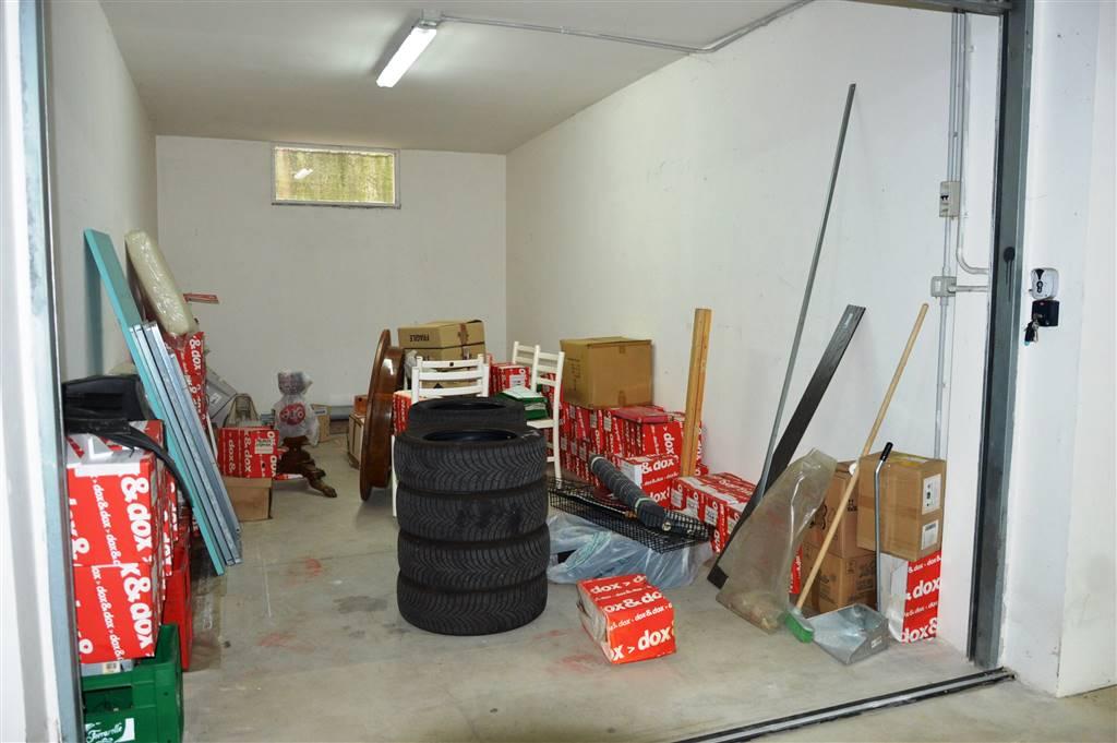 Box / Garage in vendita a Pontecagnano Faiano, 1 locali, zona Località: SANTANTONIO A PICENZA, prezzo € 20.000   CambioCasa.it