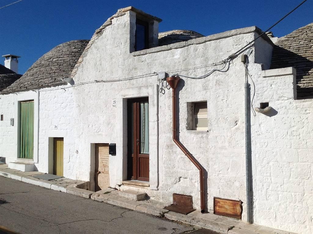 Trulli in Via Monte Cucco 25-27, Alberobello
