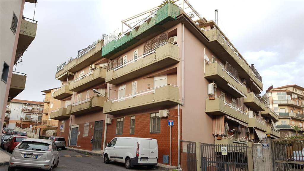 Trilocale, Camporotondo Etneo
