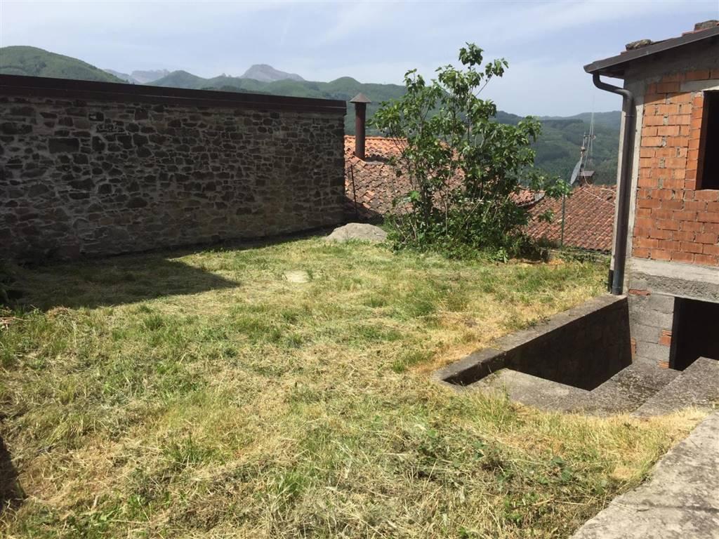 Terratetto, San Romano In Garfagnana, da ristrutturare