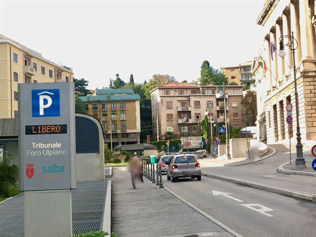 Garage / Posto auto in Foro Ulpiano  1/1, Centro, Trieste