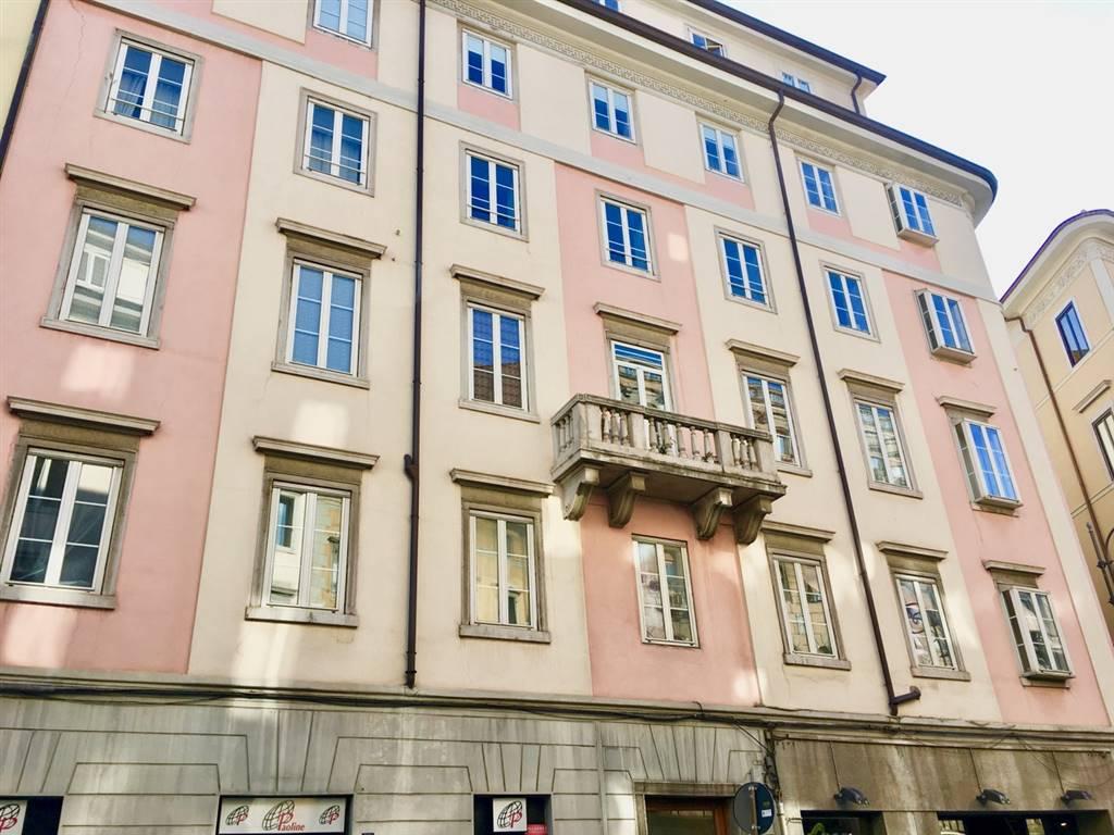 Appartamento in Corso Italia 37, Zone Di Pregio, Trieste