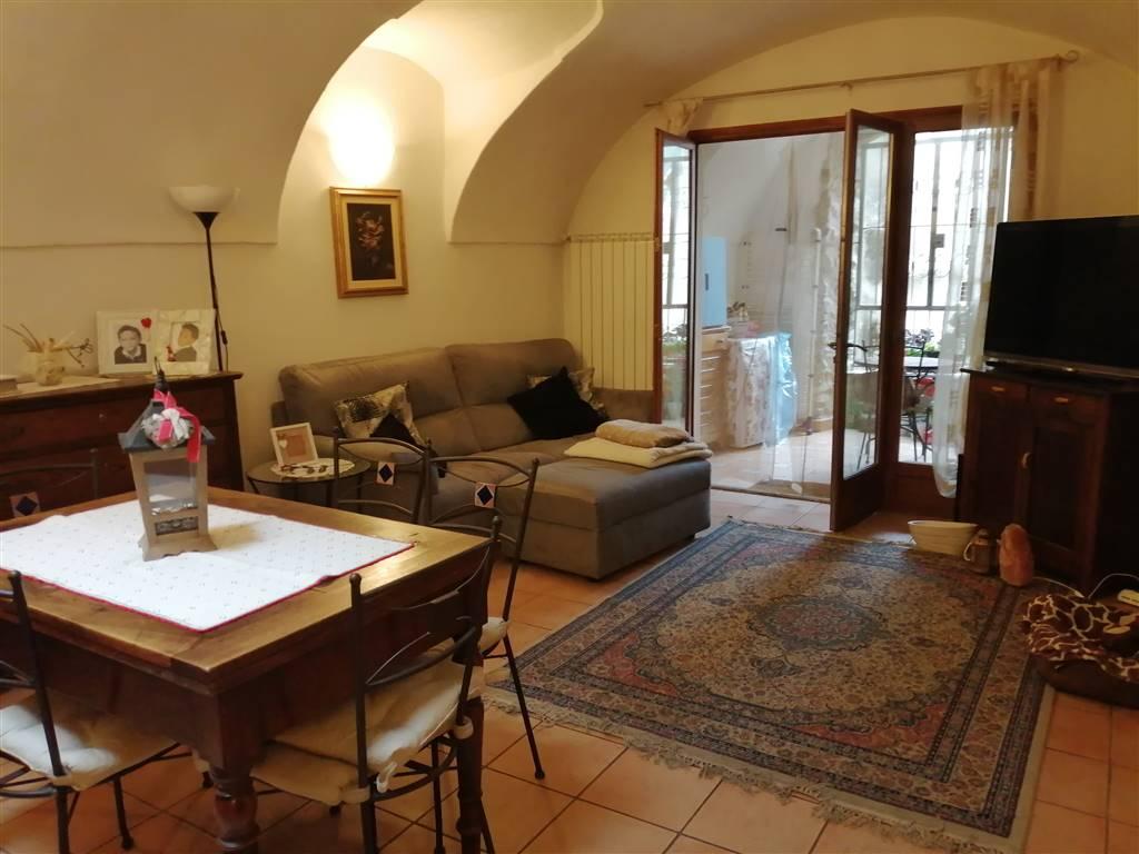 Appartamento in vendita a Bordighera, 3 locali, zona Zona: Borghetto San Nicolò, prezzo € 142.000   CambioCasa.it