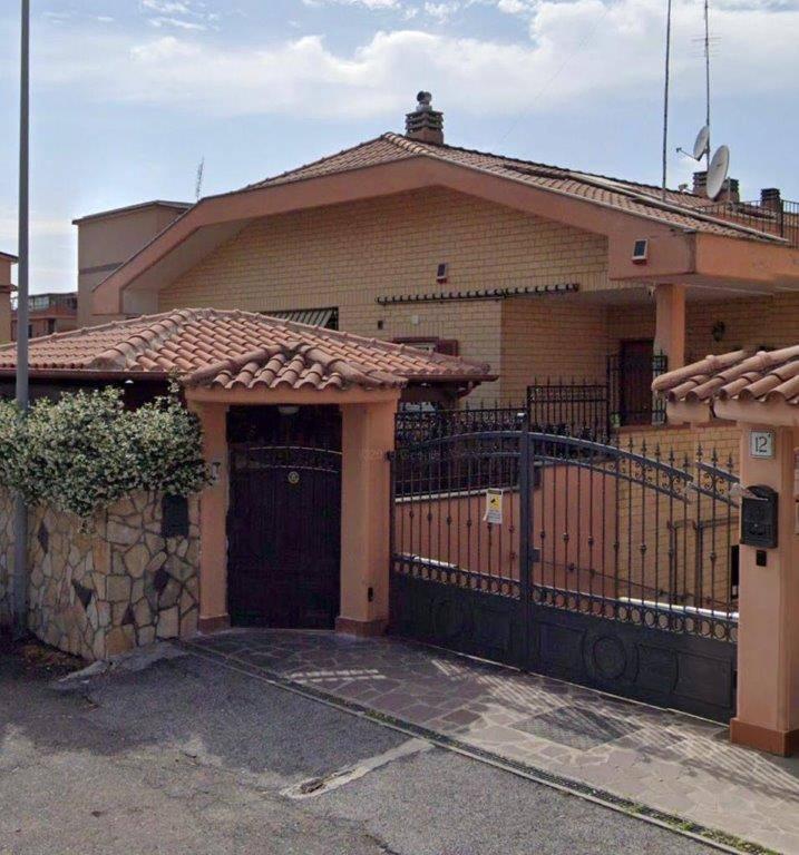 Bifamiliare in Via Collepasso 12/b, Finocchio - Torre Gaia - Tor Vergata, Roma