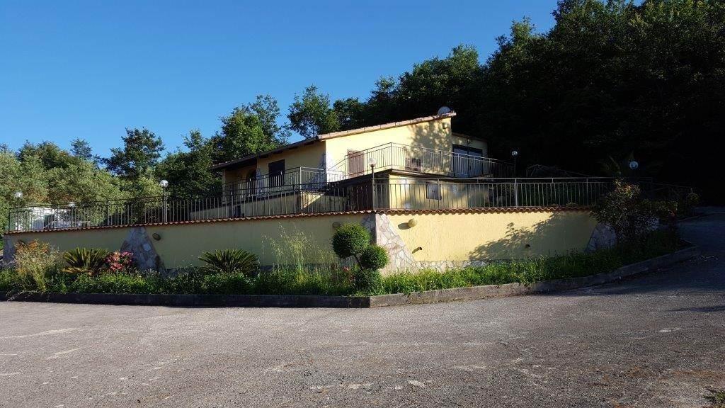 Villa, Liberi, in ottime condizioni