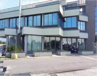 Negozio / Locale in vendita a Curno, 9999 locali, prezzo € 821.000 | PortaleAgenzieImmobiliari.it