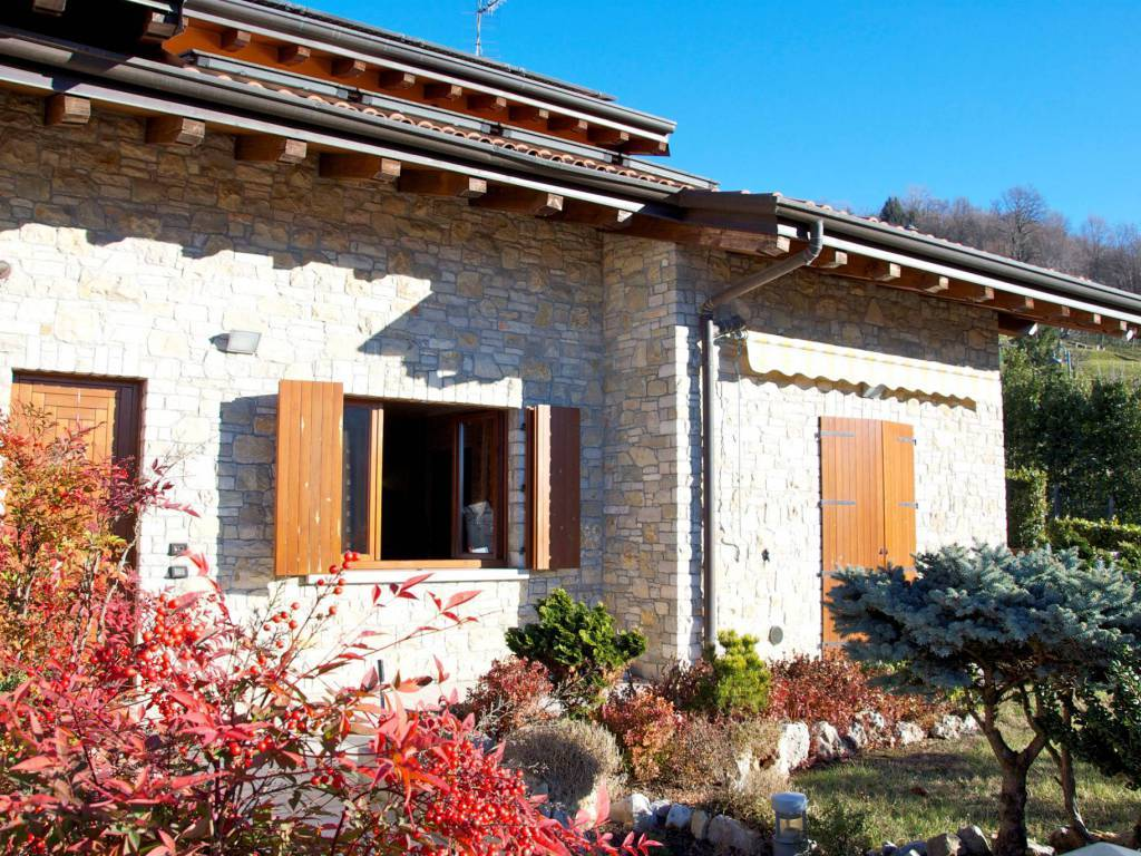 Villa in Via Valverde, Valverde, Bergamo