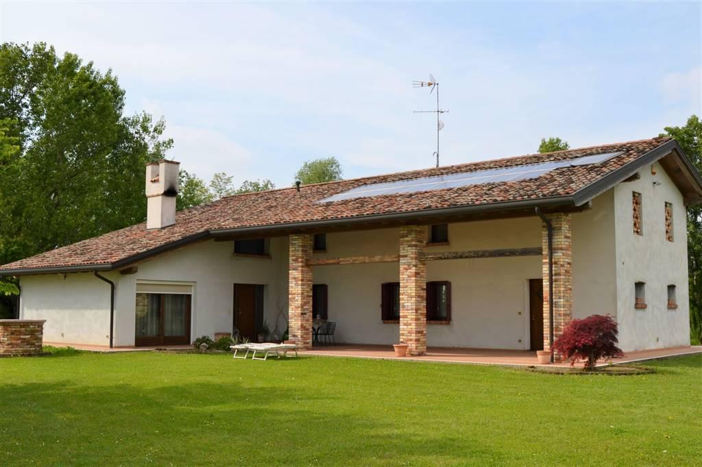 Villa, Annone Veneto, ristrutturata