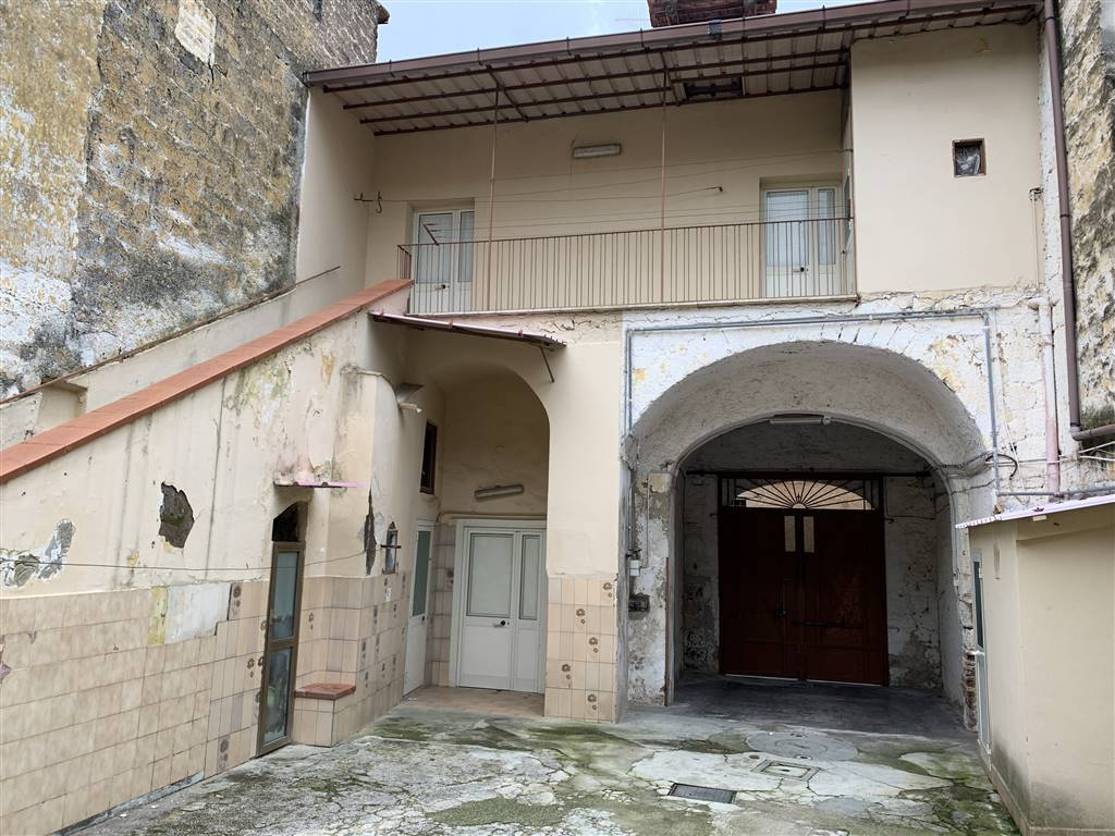 Casa semi indipendente, Casagiove, da ristrutturare