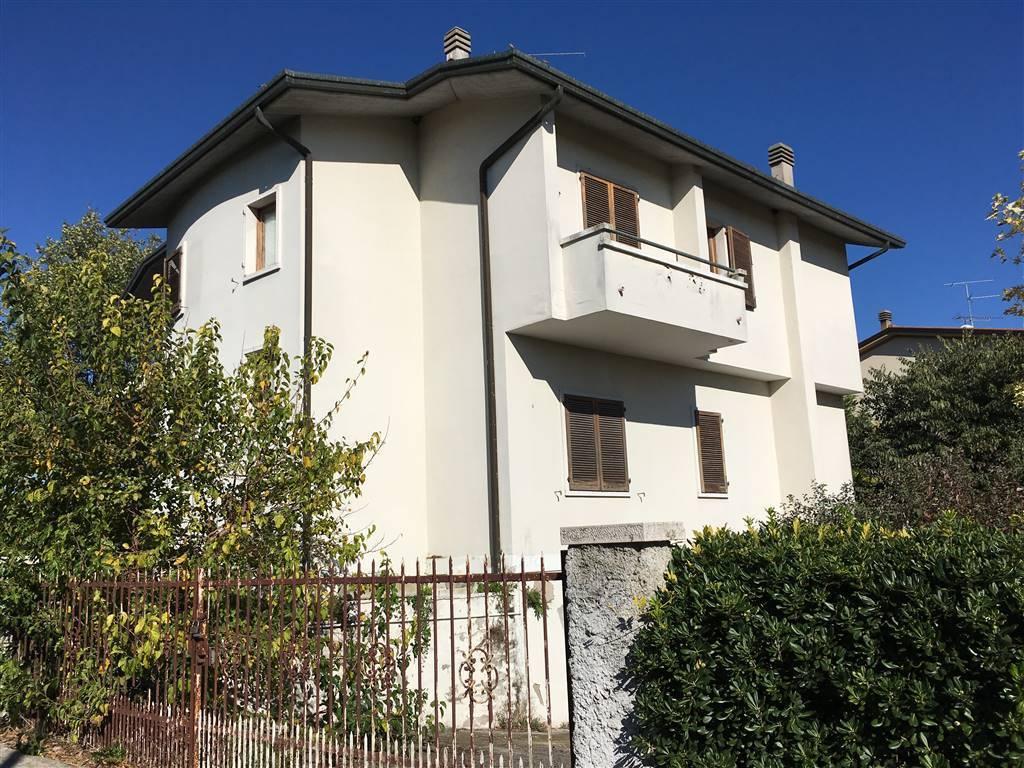 Villa in vendita a Pozzolengo, 8 locali, prezzo € 245.000 | PortaleAgenzieImmobiliari.it