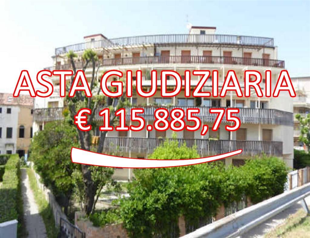 Appartamento in Via Leonardo Loredan 16 16, Lido, Venezia