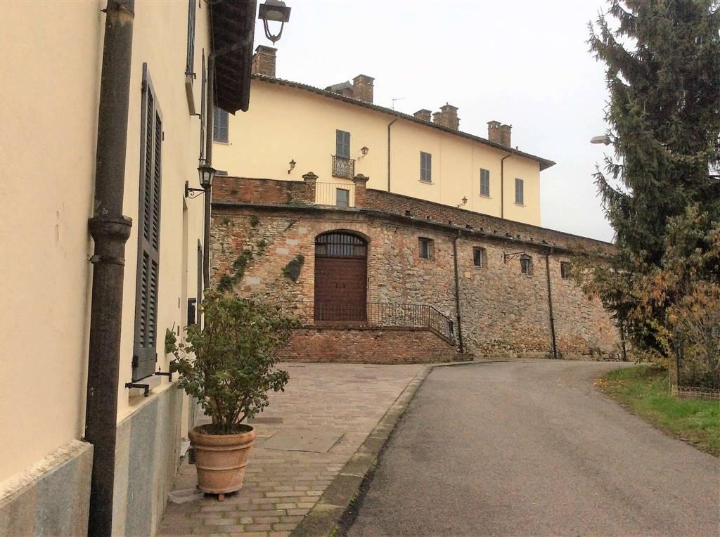 Bilocale in Via Castello, Castana